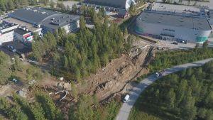Rovaniemen uuden uimahallin paikka on Lappi Areenan ja Santasportin välissä.