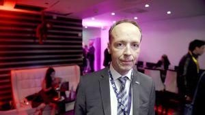 Perussuomalaisten puheenjohtaja Jussi Halla-aho osallistui  ruotsidemokraattien vaalivalvojaisiin Tukholmassa 9. syyskuuta.