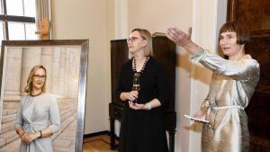 Maria Lohela ja valokuvaaja Elina Brotherus