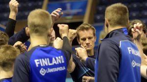 Päävalmentaja Tuomas Sammelvuo haluaa pelaajiensa antavan kaikkensa Suomen MM-kisojen päätösottelussa.