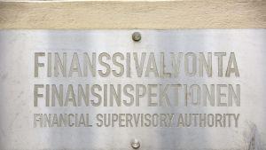 Finanssivalvonnan Fiva kyltti Helsingissä.