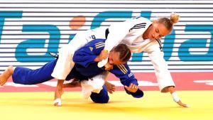 Ukrainan Daria Bilodid valkoisessa judogissa