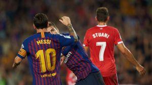 Gerard Pique ja Lionel Messi juhlivat Barcelonan 2-2-tasoitusta.