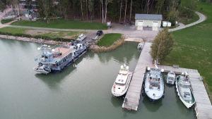 Airiston Helmi -yrityksen Villa Ybbersnäs nähtynä ilmasta Paraisilla 23. syyskuuta.