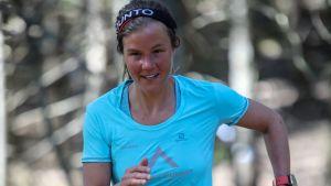 Emelie Forsberg juoksee