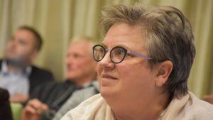 Porin kaupunginvaltuutettu, kansanedustaja Jaana Laitinen-Pesola (kok.) Porin valtuuston kokouksessa 24.9.2018.