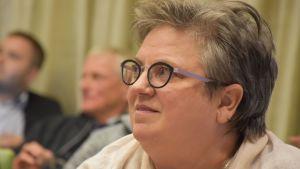 Kansanedustaja Jaana Laitinen-Pesola (kok.) Porin kaupunginvaltuuston kokouksessa 24.9.2018.