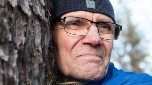 Kaarle Raekallio halasi puuta jo 70-luvulla, mutta ei silloin kertonut asiasta kenellekään.