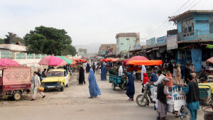 Katunäkymä Mazar-i-Sharifissa Afganistanissa kesäkuussa vuonna 2012.