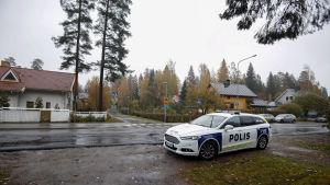 Jyväskylässä lastenvaunuja työntänyt nainen on kuollut, kun kuorma-auto törmäsi häneen tiistaina 9. lokakuuta.