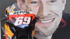 Kuljettajat pitivät Nicky Haydenin muistoksi 69 sekunnin hiljaisen hetken Moto3-kilpailun yhteydessä Mugellossa kesäkuussa 2017. Hayden ajoi Aspar Racing -tallissa numerolla 69.