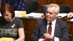 SDP:n puheenjohtaja Antti Rinne eduskunnan kyselytunnilla Helsingissä torstaina 11. lokakuuta.