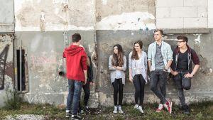 Nuoriso hengailee