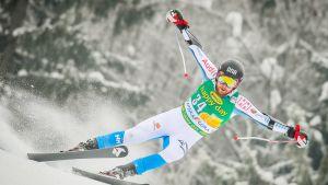 Samu Torsti kantaa suomalaisen alppihiihdon menestyspaineita harteillaan.