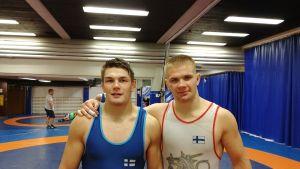 Arvi Savolainen ja Elias Kuosmanen.