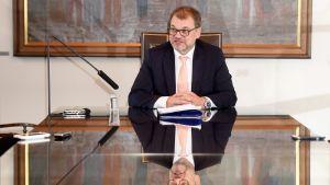 Pääministeri Juha Sipilä mediatapaamisessa eduskunnassa Helsingissä 17. lokakuuta
