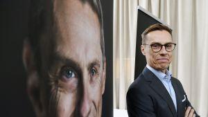 Euroopan investointipankin varapääjohtaja Alexander Stubb mediatilaisuudessa Helsingissä 22. lokakuuta.