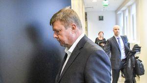 Yhtiön toimitusjohtajana ja hallituksen puheenjohtajana toiminut Pekka Perä kaivosyhtiö Talvivaaran johdon sisäpiiritiedon väärinkäyttöä koskevan jutun käsittelyssä Helsingin hovioikeudessa 22. lokakuuta 2018.