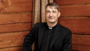 Timo Vainikainen valittiin Varpaisjärven seurakunnan uudeksi kirkkoherraksi.