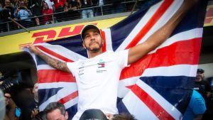 Lewis Hamilton Meksikon osakilpailun 2018 jälkeen, kun mestaruus varmistui.