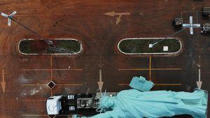 Dronella otettu kuva jossa näkyy Vapaudenpatsaan kopio rekan kyydissä Havannassa, Brasiliassa 31. lokakuuta.