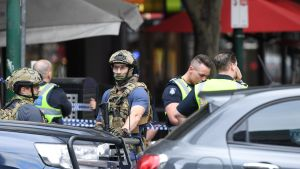 Poliiseja Bourke-kadulla Melbournessa 9. marraskuuta.