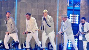 neljä laulavaa miestä