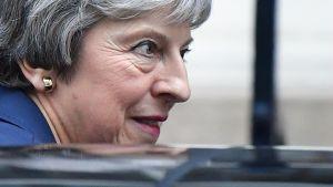 Theresa May lähdössä pääministerin pääministerin virka-asunnolta Lontoossa 14. marraskuuta.