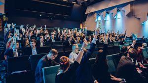 Äänestys kokoomusnuorten liittokokouksessa marraskuussa 2017.
