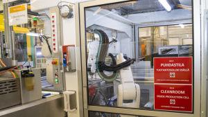 Sartorius Biohitin tehtaan robotti ja puhdastila