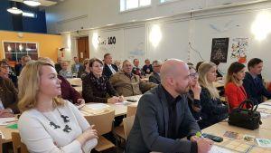 Katri Kulmuni, Mikko Kärnä ja Petteri Salmijärvi (oik.) ovat ehdolla eduskuntaan keskustan listalta.