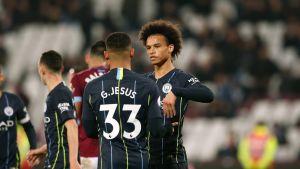 Manchester Cityn Leroy Sane ja Gabriel Jesus juhlatuulella.
