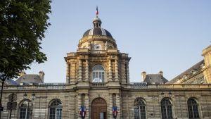 Ranskan parlamentin ylähuone Pariisissa. Senaatti sijaitsee Luxemburg-palatsin sisällä.