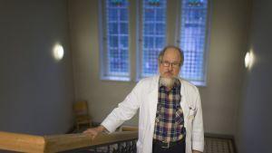 Tartuntatautilääkäri Kimmo Kuisma.
