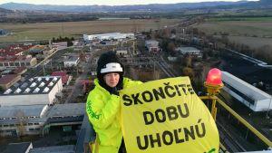 Greenpeace Nordenin aktivisti vastustamassa hiilivoimaa Novákyssa Slovakiassa 28. marraskuuta.