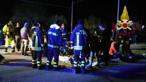 Italian pelastuslaitoksen välittämä kuva onnettomuuspaikalta Corinaldosta.
