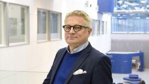 Kuopion yliopistollisen sairaalaan vuoden 2019 alussa aloittava uusi johtajaylilääkäri Antti Hedman.