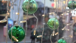 Kauppakeskuksen joulukoristeita