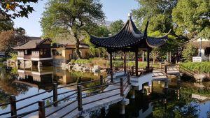 Keidas keskellä kaupunkia Jiaxingissä Kiinassa.