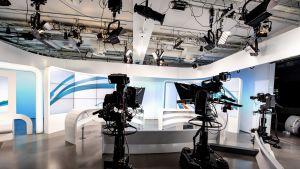 Ylen television uutisstudio 26.12.2018. TV-uutiset, Studion sisustus lavasteet viimeisenä iltana ennen väistötiloihin siirtymistä.