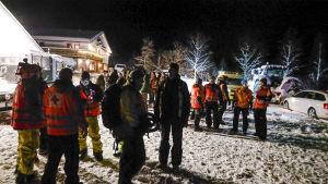 Norjan pelastushenkilökuntaa aloittamassa uutta etsintäoperaatiota vuoristoon kadonneiden suomalaisten löytämiseksi 3. tammikuuta.
