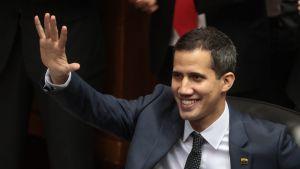 Keskustavasemmistolaisen Voluntad Popular -puolueen Juan Guaidó valittiin tammikuun 5. Venezuelan parlamentin puheenjohtajaksi.