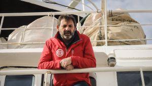 Open Arms -järjestön perustajan Òscar Campsin mukaan laivalle ei annettu lähtölupaa poliittisista syistä.