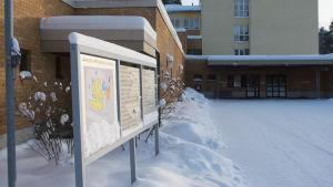 Varkauden terveyskeskus ja sairaala.
