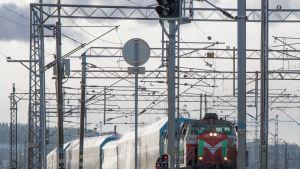 VR Tavarajuna junaliikenne rautatiet