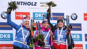 Kaisa Mäkäräinen podium