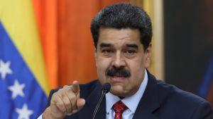 Presidentti Nicolás Maduro piti perjantaina televisioidun lehdistötilaisuuden, jossa hän korosti haluavansa neuvotella.