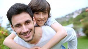 Isä ja poika.