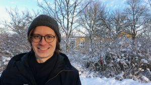 Johannes Laitila Seurasaaressa lumisessa maisemassa