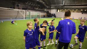 FC Kuusysin P9-joukkueen harjoitukset Lahdessa.